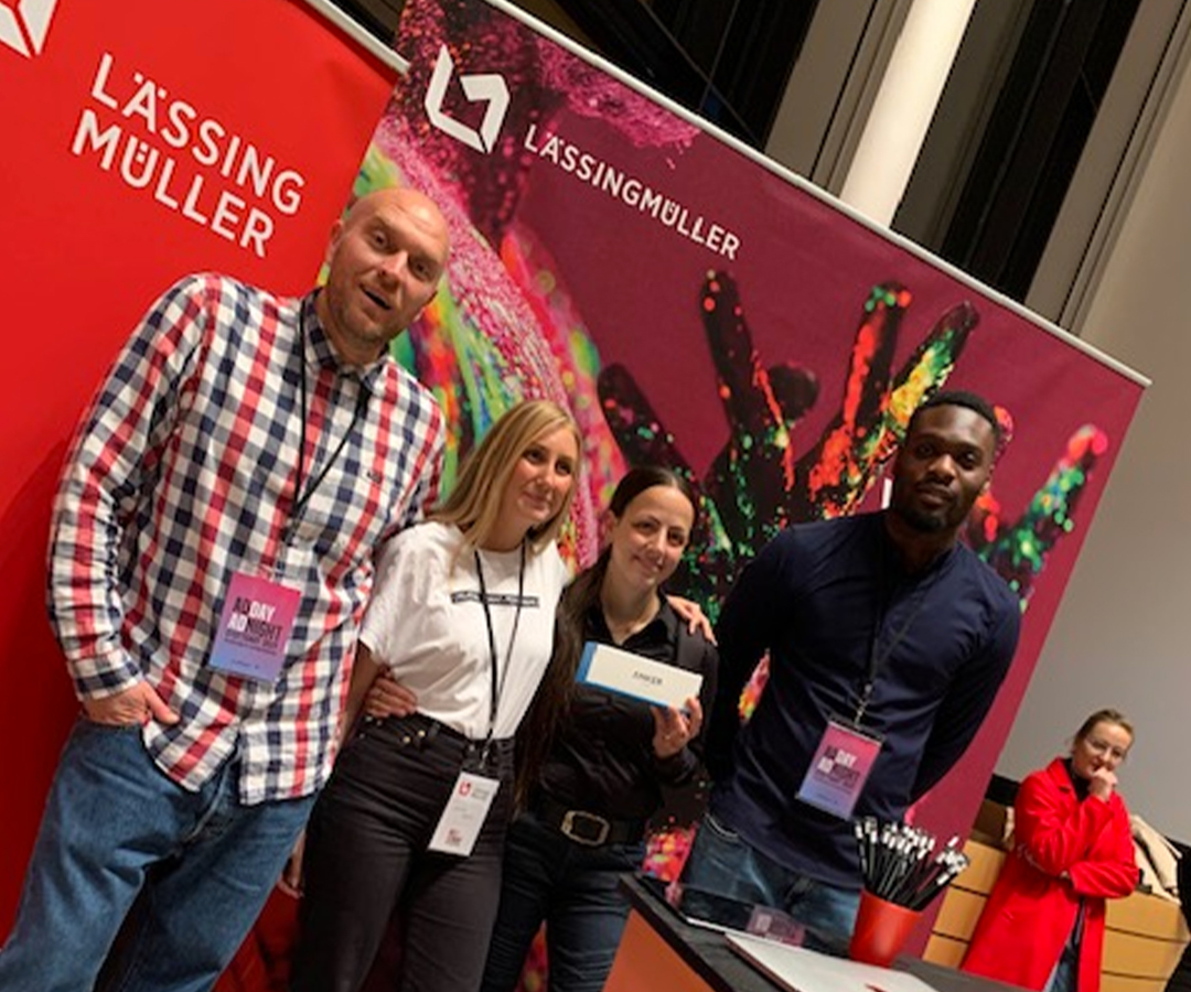 LM Adday Stand Teambild